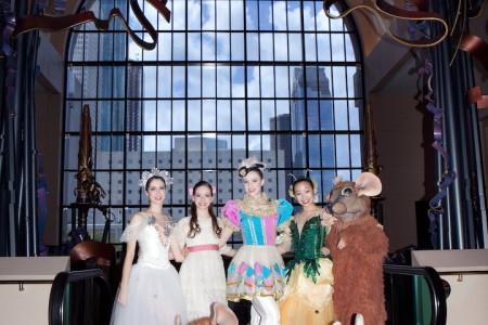 Houston Ballet Kicks Off The 2013 Holiday Season With Free Wortham Theater Center Tree Lighting Ceremony